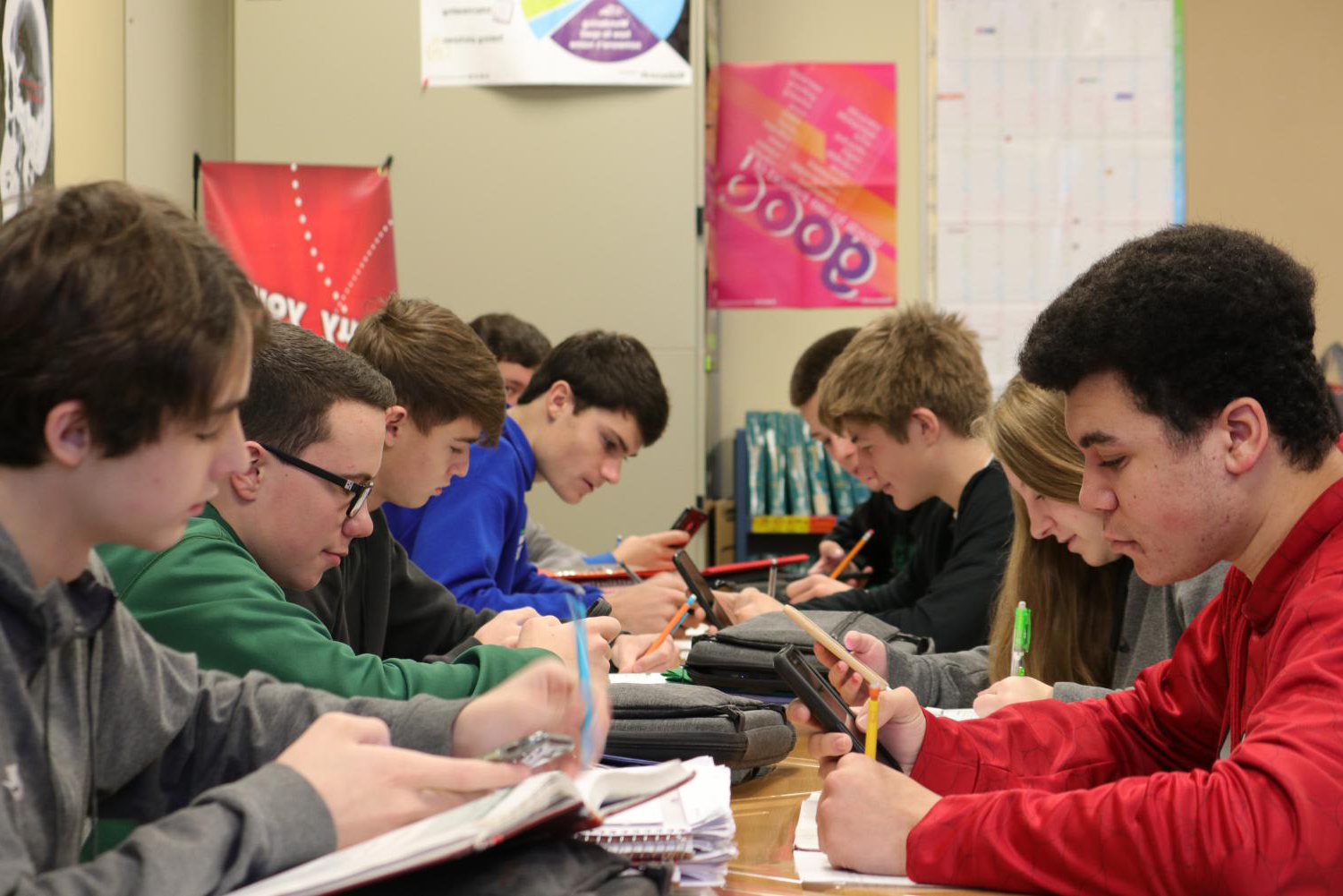 Students in 希拉·穆尔's courses use cell phones as an extension of their Chromebooks. Students are often asked to use both forms as they seek to become competent in multiple aspects of technology.
